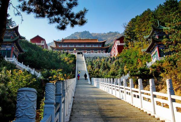 醉赏金秋红叶 中国专业旅游媒体联盟聚焦英山旅游